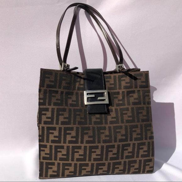 Fendi Handbags - FENDI Zucca Monogram Vintage Purse 🖤✨ c2463121bc5a8